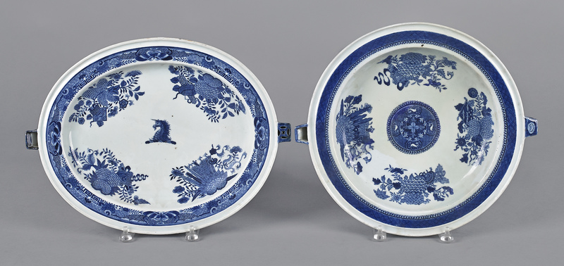 Two Chinese export porcelain blue Fitzhugh warming