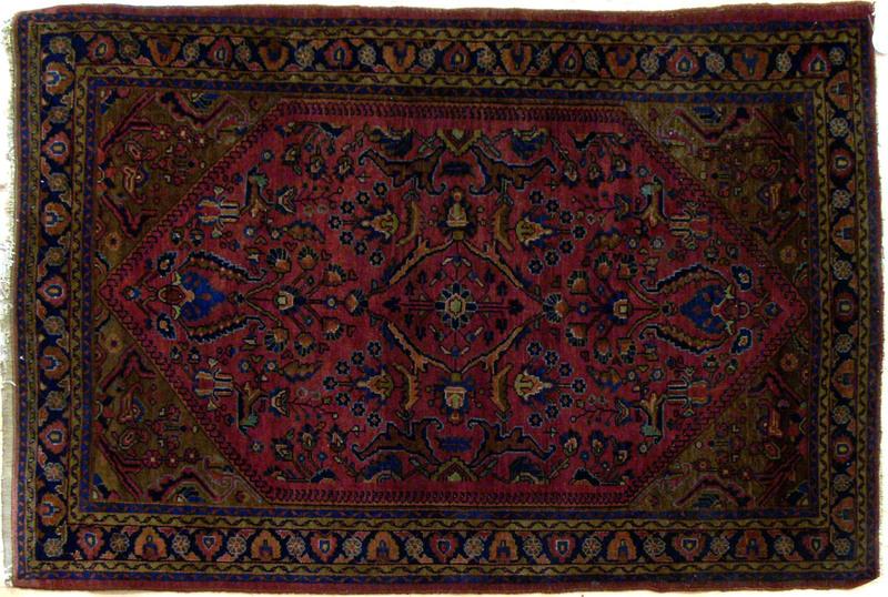 Sarouk throw rug, ca. 1920, 5'7