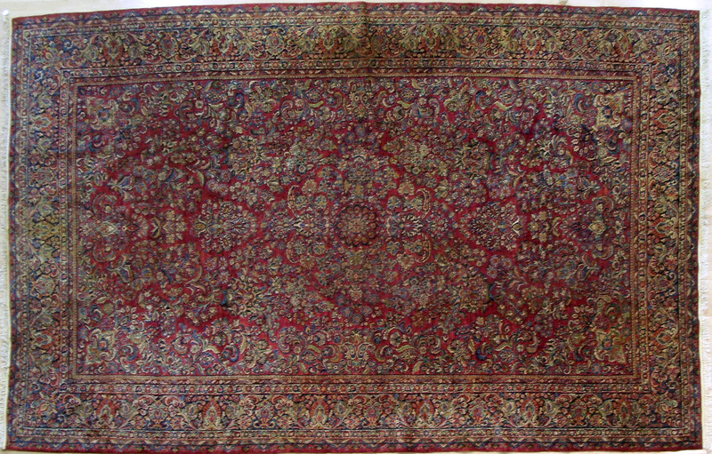 Roomsize Sarouk rug, ca., 1920, with overall flora