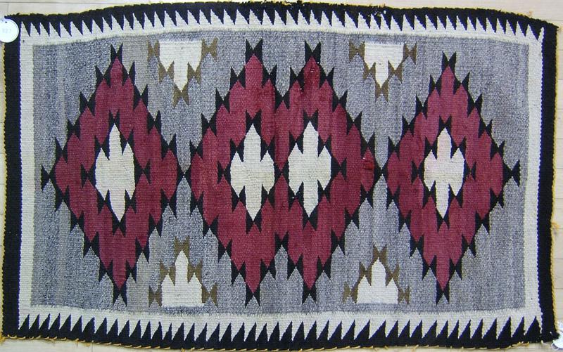 Arizona Red Mesa regional Navajo rug, early 20th c