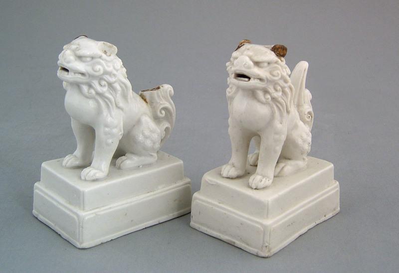 Pair of salt glaze lion figures, 18th c., 4 1/2