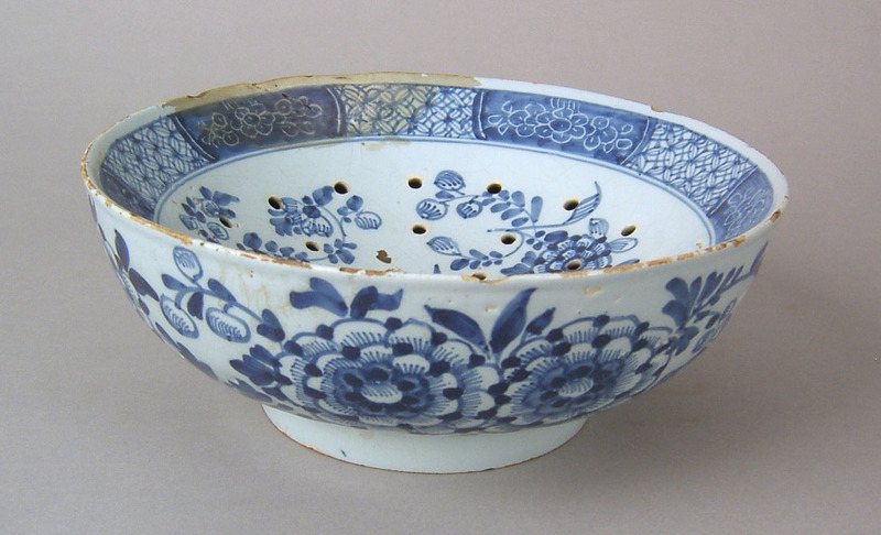 English blue and white cress dish, ca. 1750, withi