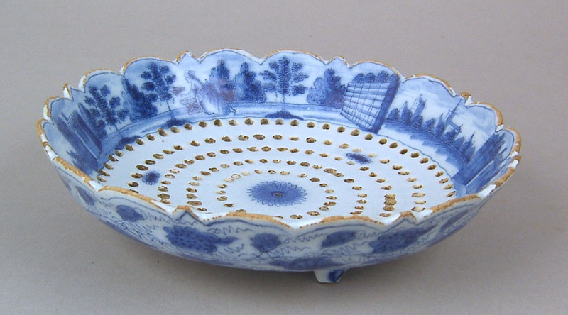Delft blue and white strainer, early 18th c., thec