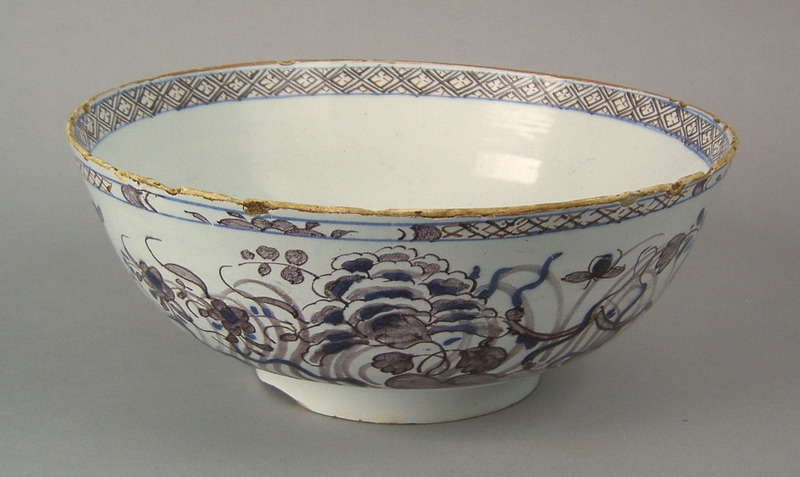 English delft bowl, Liverpool or London, mid 18th.