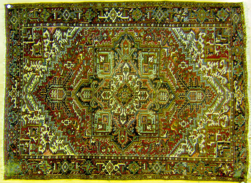 Semi-antique roomsize Heriz rug, 11'5