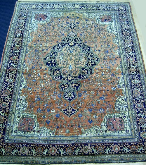 Roomsize Sarouk rug, ca. 1920, with overall Ferrag