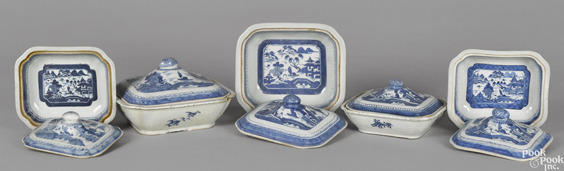 Five Chinese export porcelain vegetables