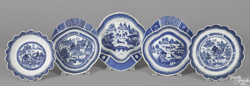 Two Chinese export porcelain Canton bowls