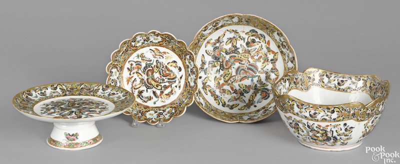 Three Chinese export porcelain bowls