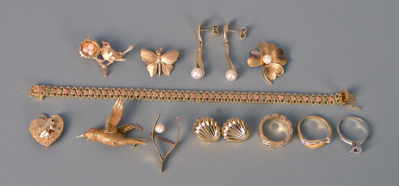 Group of 14K gold jewelry.