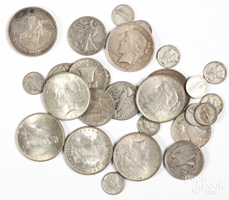 US silver coins, to include six Peace dollars, etc.