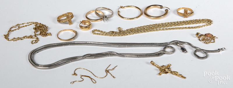 14K gold jewelry, 24.4 dwt.
