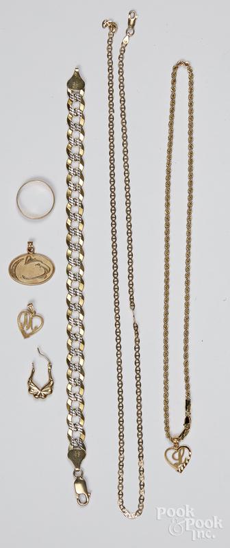 10K gold jewelry, 20.7 dwt.