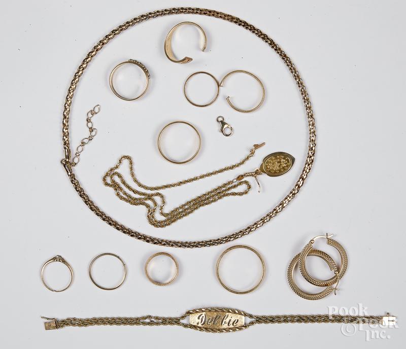 14K gold jewelry 39.4 dwt.