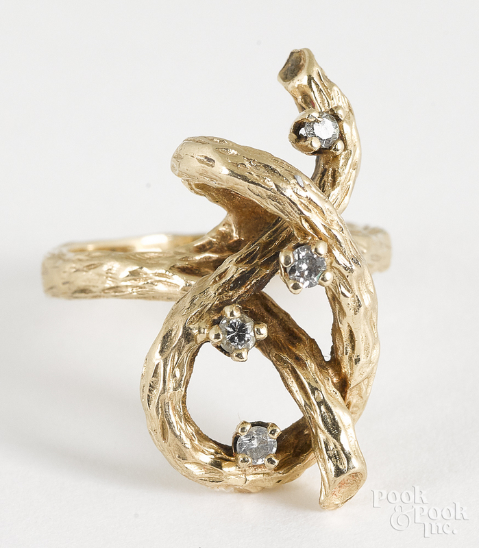 14K yellow gold and diamond ring, 7.3 dwt.