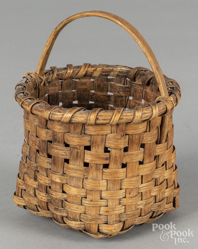 Split oak berry basket, 19th c., 6 1/4