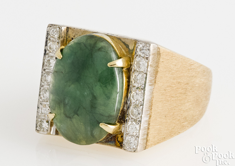 14K gold jadeite and diamond ring