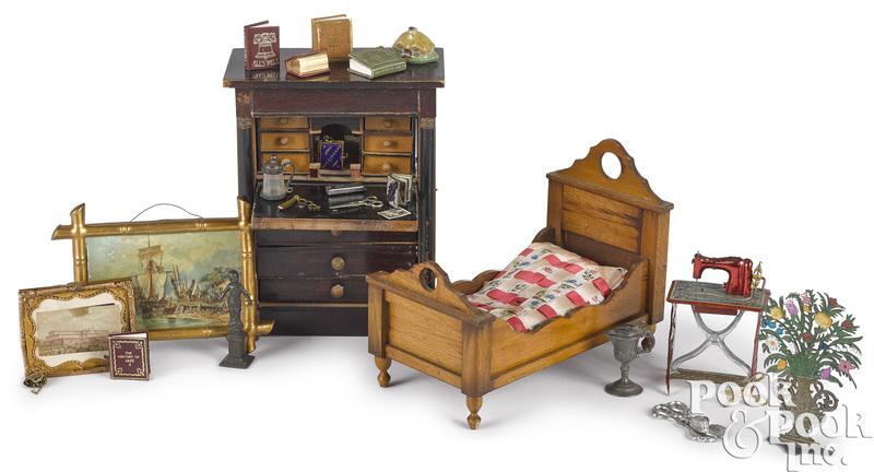 Dollhouse miniature grouping