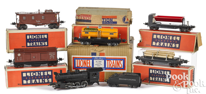 Lionel seven-piece train set