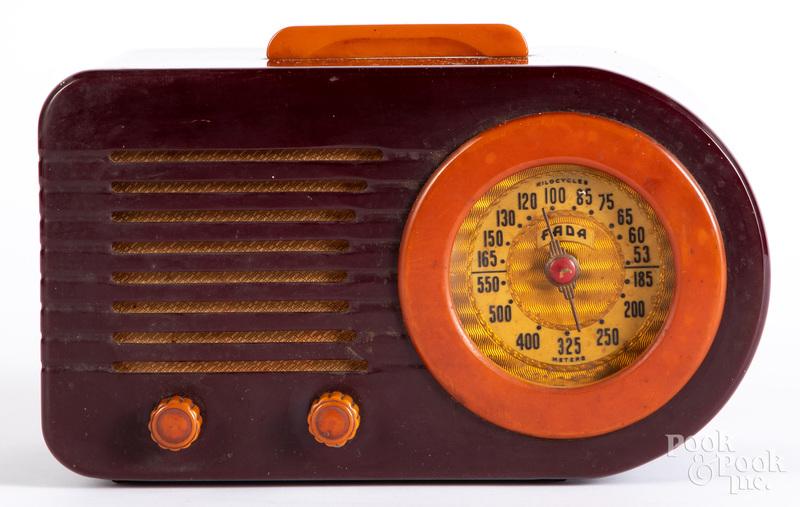 Fada Bakelite bullet radio