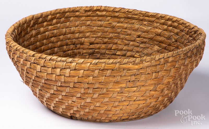 Large Pennsylvania rye straw basket