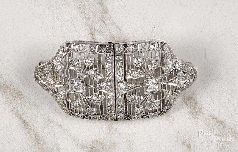 Platinum diamond Art Deco filigree brooch