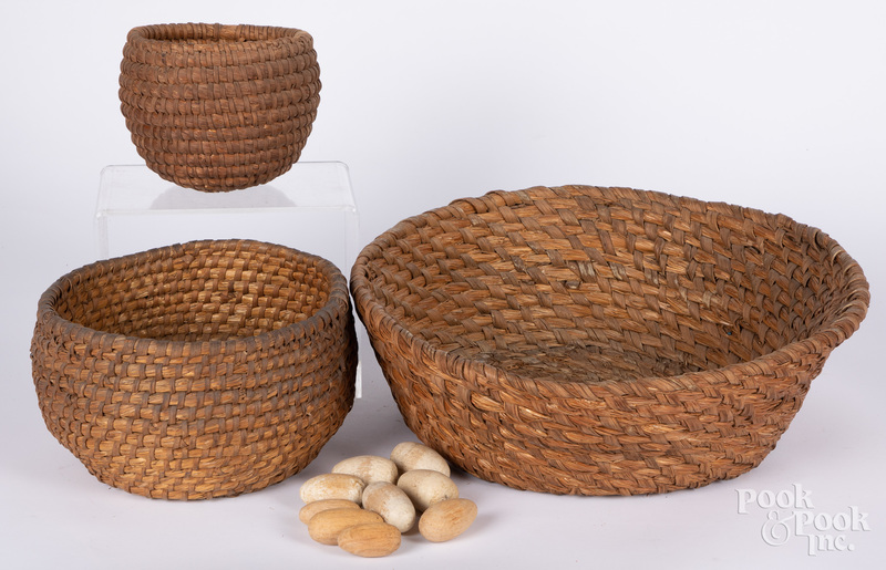 Three Pennsylvania rye straw baskets