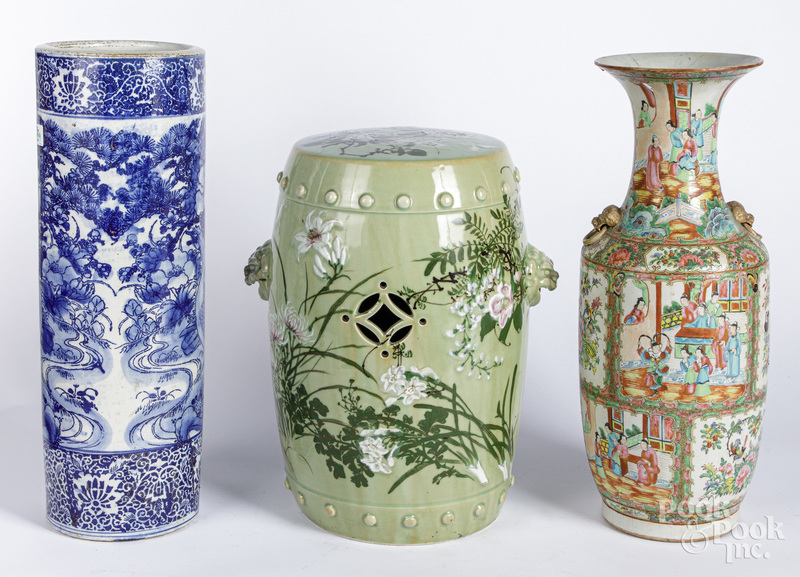 Chinese export porcelain rose medallion vase.