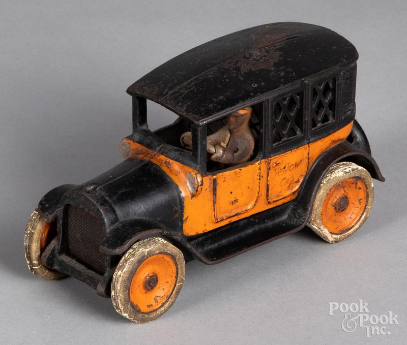 Arcade cast iron Yellow Cab taxi bank