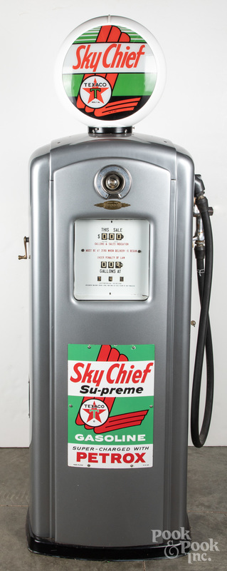 Restored Bennett Texaco Sky Chief gas pump, etc.