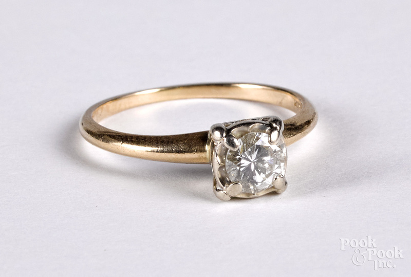 14K gold and diamond ring, size 7 1/2