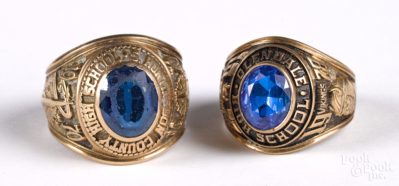 Two 10K gold class rings, 16.5 dwt.