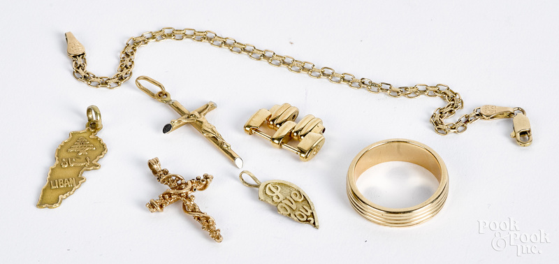 14K and 18K gold jewelry, 15 dwt.