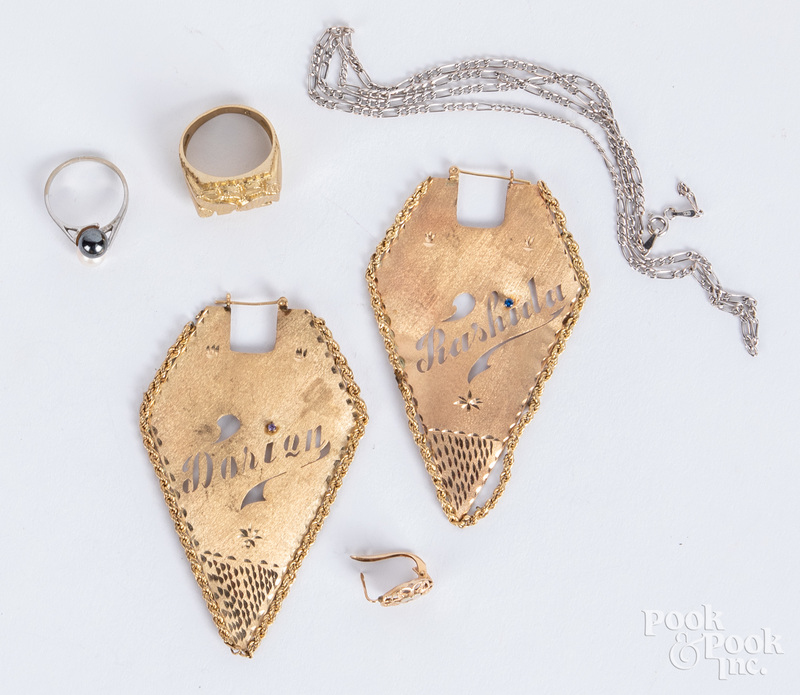 Group of 10k gold jewelry, 14.9 dwt.