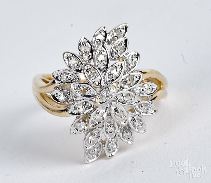 14K gold and diamond cluster ring, 4.2 dwt.