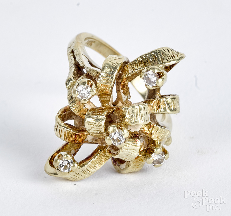 14K gold and diamond ring, 5.5 dwt.