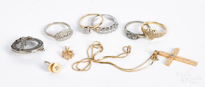 14K gold and diamond jewelry, 14.9 dwt.