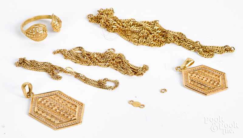 High grade gold jewelry, some marked 21K, 19 dwt.