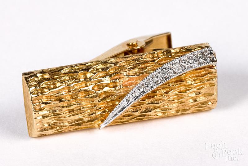 14K gold and diamond clip, 4.5 dwt.