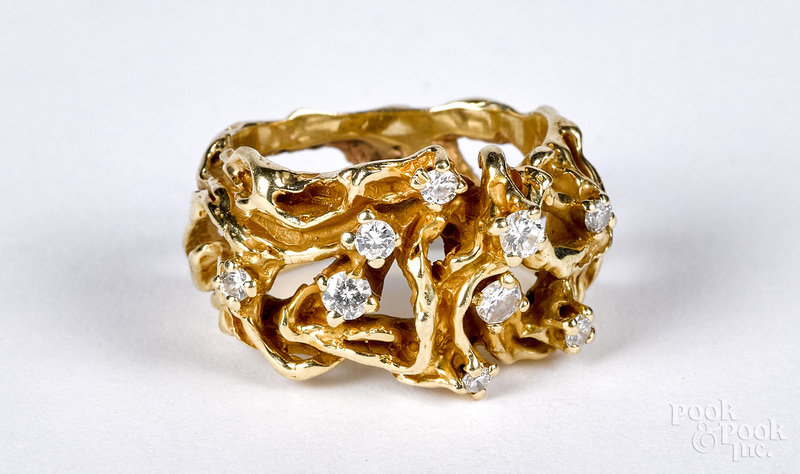 14K gold and diamond cluster ring, size 4 1/2