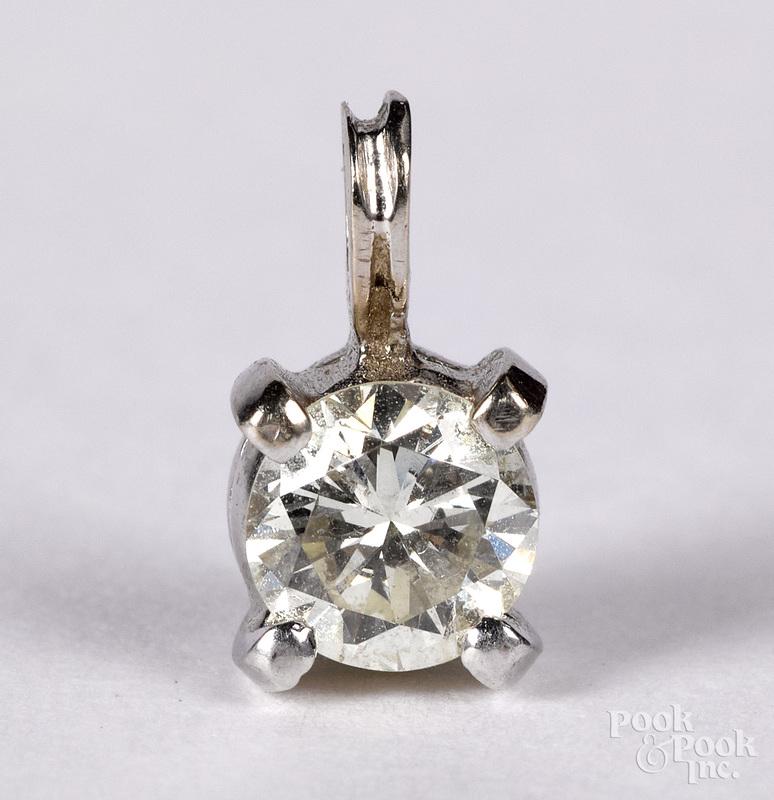 14K white gold and diamond pendant