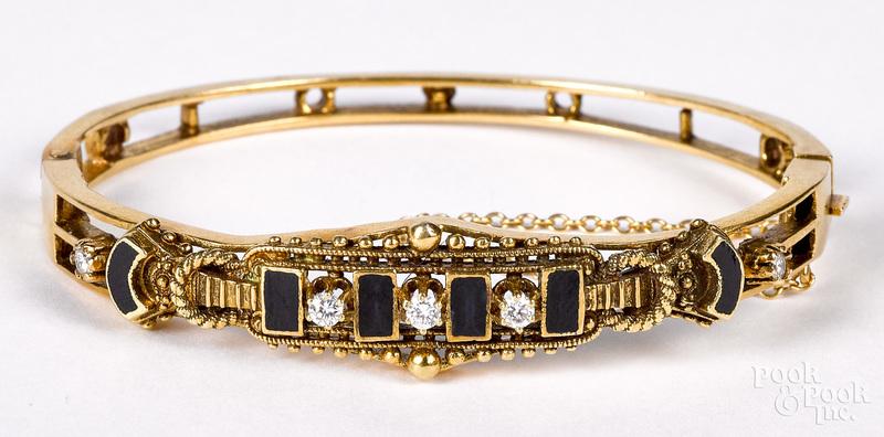 14K gold diamond and onyx bracelet, 13 dwt.