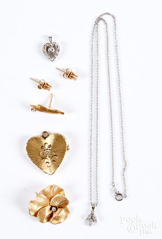 14K gold and diamond jewelry, 12.6 dwt.
