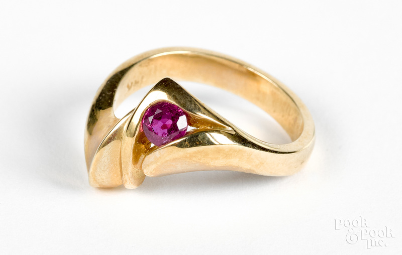 14K gold and ruby ring
