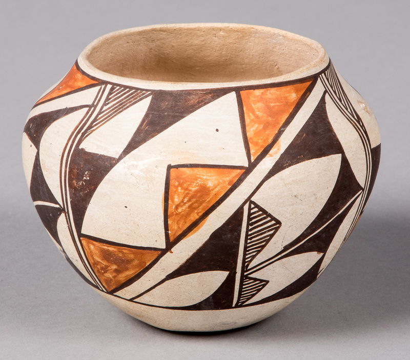 Lucy Lewis Acoma Indian pottery jar