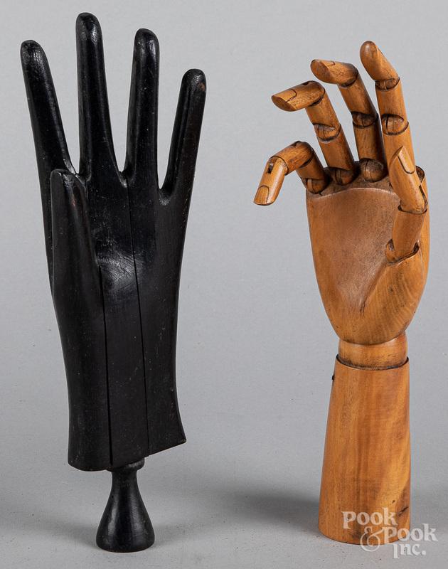 Articulated wood artisans' hand, ca. 1900