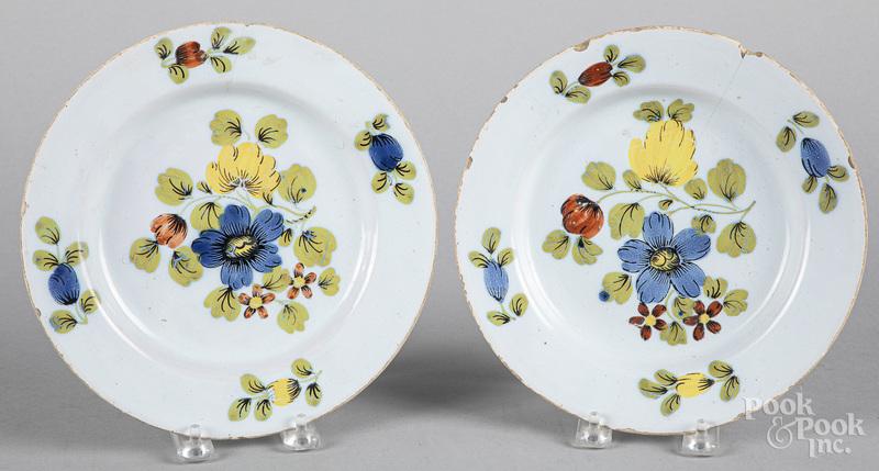 Pair of Delft Fazackerly plates