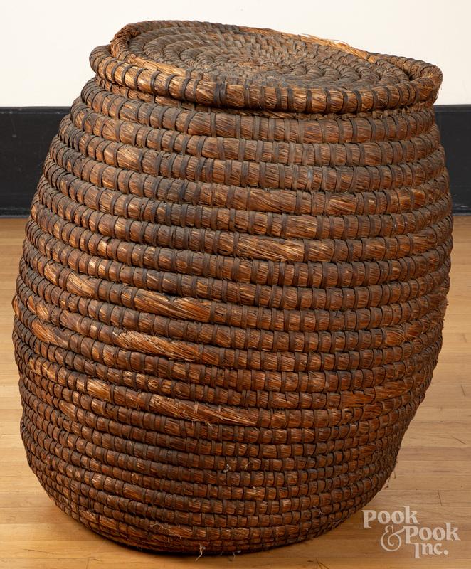 Massive lidded rye straw basket, 19th c.