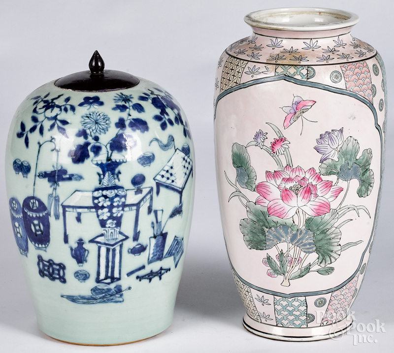 Chinese blue and white jar, 18th/19th c.