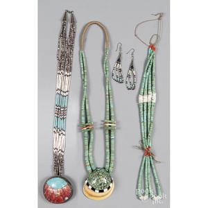 Santo Domingo Pueblo graduated turquoise beaded necklace